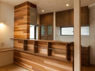 青崎東の家: 株式会社かんくう建築デザインが手掛けたキッチンです。