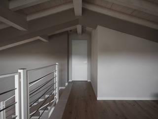 AM SERRAMENTI Fenster & TürFenster Holz Weiß