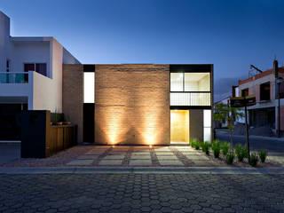 Houses by Monolito,