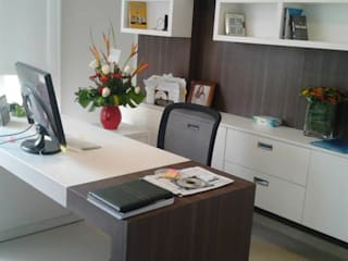 J.H. Novoart E.I.R.L. Modern style study/office