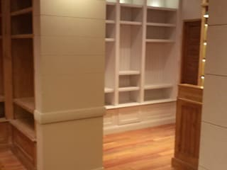 J.H. Novoart E.I.R.L. Office spaces & stores Wood