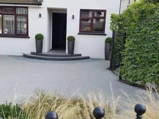 Front Garden Design Woking, Surrey: modern Garden by Linsey Evans Garden Design
