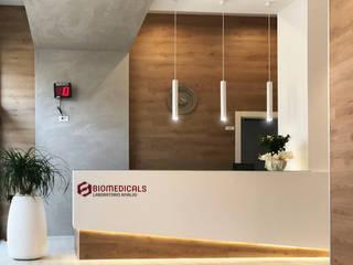 BIOMEDICALS laboratories Cliniche in stile minimalista di Daniele Spirito Architetto Minimalista