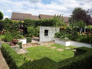 Contemporary Garden Bracknell, Berkshire Modern garden by Linsey Evans Garden Design Modern