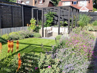 Sloping Garden Design, Crowthorne, Berkshire Linsey Evans Garden Design สวน