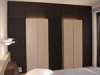 Appartement Cannes californie Dressing moderne par Architecture interieure Laure Toury Moderne