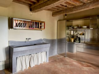 Country style kitchen by Laquercia21 Country