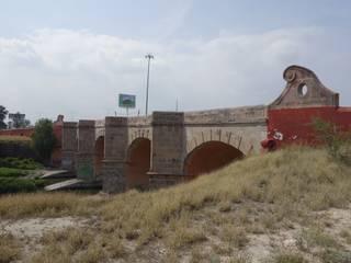 Puente antes de la intervención:  de estilo  por Arketzali Taller de Arquitectura