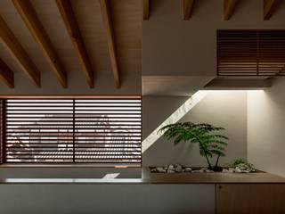 Fenêtres & Portes modernes par HEARTH ARCHITECTS/ハース建築設計事務所 Moderne