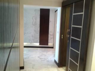 Puertas modernas de Quattro designs Moderno
