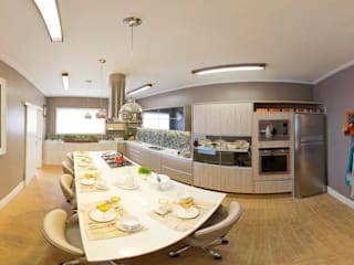 Cozinha Goumet: Armários e bancadas de cozinha  por Carla Veloso Arquitetura e Urbanismo,Moderno