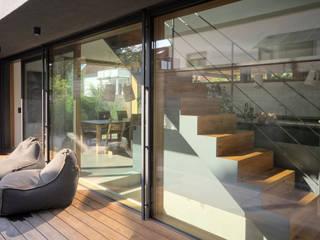 Projekty,  Taras zaprojektowane przez Architekten Lenzstrasse Dreizehn