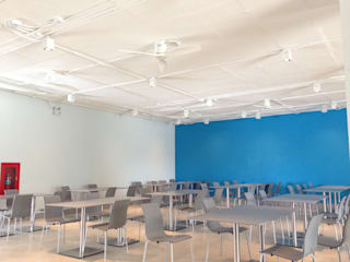 ศูนย์เรียนรู้และสันทนาการ สถาบันดนตรีกัลยาณิวัฒนา: ทันสมัย  โดย A2 StudiO, โมเดิร์น