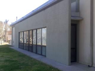 Oficinas y bibliotecas de estilo moderno de 253 ARQUITECTURA Moderno