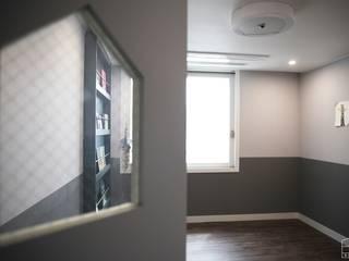 Teen bedroom by 홍예디자인, Modern