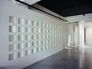 Thinking Gallery Space by Studio In2 根據 Studio In2 深活生活設計 簡約風