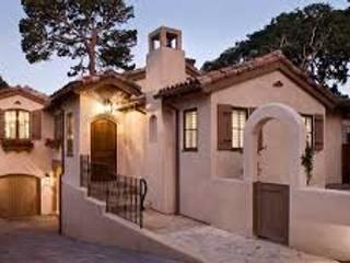 Colonial House: Casas de campo de estilo  por Gerardo Suarez - Homify