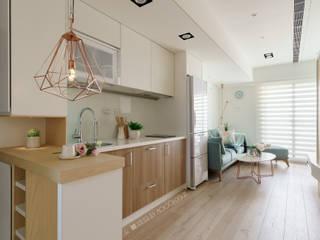 台南_住宅空間_德和大邁:  廚房 by Moooi Design 驀翊設計
