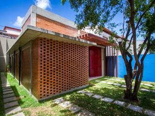Casas de estilo  por ESTUDIOFAROL - ARQUITETURA | DESIGN | URBANISMO, Moderno
