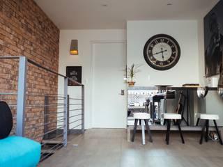 Mobiliario, acabados, closets e interiorismo dpto Ch de Nube Interiorismo Ecléctico