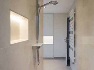 Klotz Badmanufaktur GmbH Modern bathroom Tiles