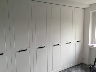 Schrankprojekt GmbH Dressing roomWardrobes & drawers White