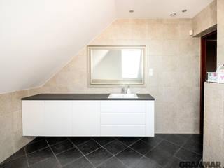 GRANMAR Borowa Góra - granit, marmur, konglomerat kwarcowy Baños de estilo moderno Granito
