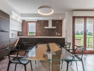 Attico A&O: Cucina in stile  di Biondi Architetti, Moderno