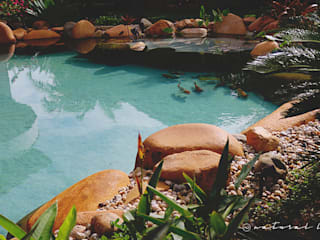 Piscina Natural: Jardins  por Natural Lagos