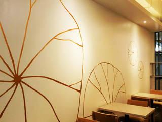 Salas multimédia modernas por 디자인모리 Moderno