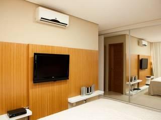 Dormitorios de estilo ecléctico de Studio Bossa Decoração de Interiores Ecléctico