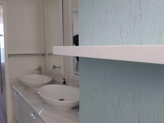 BHD Interiors Modern bathroom