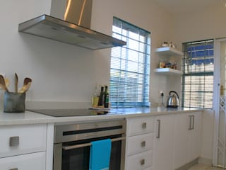 BHD Interiors Modern kitchen