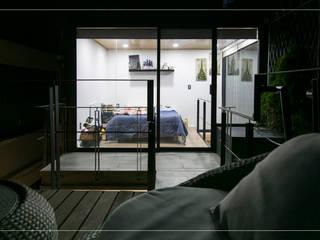 LOFT MORVAN: Recámaras de estilo minimalista por Arquitectura 11:11 Diseño + Construcción S.A de C.V
