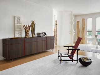 Holz Sideboard mit roten Griffkerbe auf Füßen:   von Livarea