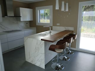 Modern kitchen by femcuines Modern