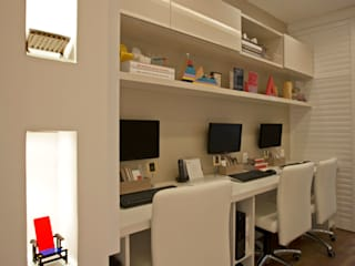 Modern Study Room and Home Office by Lana Rocha Interiores Modern