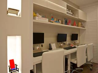Oficinas de estilo moderno de Lana Rocha Interiores Moderno