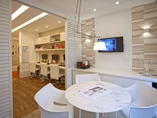 Study/office by Lana Rocha Interiores