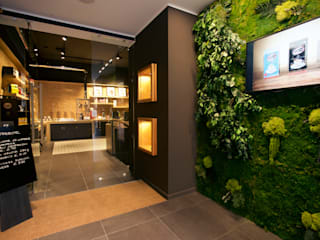 Jungle Moss - green wall art - preserved plants from Moss Trend :  Commercial Spaces by Moss Trend
