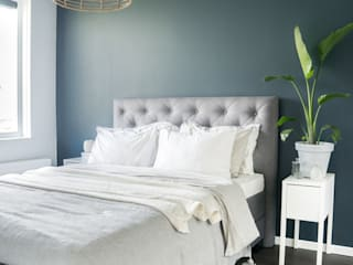 Scandinavian style bedroom by Pure & Original Scandinavian