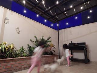 Terraza Casa PAF: Terrazas de estilo  por TLLZ Arquitectura