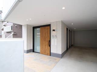 仲池上の家 OARK一級建築士事務所 モダンスタイルの 玄関&廊下&階段