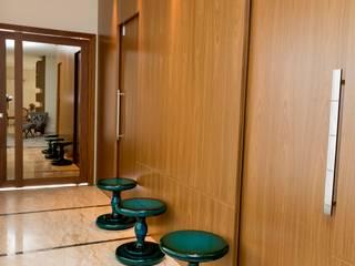 Hall de Entrada: Corredores e halls de entrada  por Isa Ramoni Arquitetura