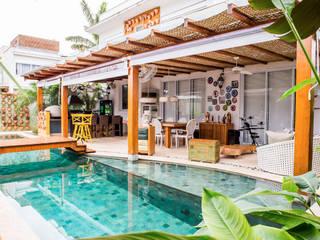 Piscinas de jardín de estilo  de VN Arquitetura, Tropical