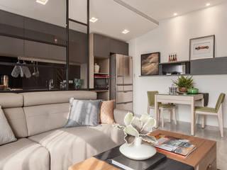 Ruang Keluarga Minimalis Oleh E&C創意設計有限公司 Minimalis