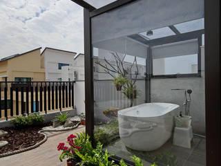 隨意隨心,恰如其分的空間 現代浴室設計點子、靈感&圖片 根據 楊允幀空間設計 現代風