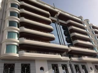 Appartamento Montecarlo MARIELLA E SILVIA ARREDAMENTI Ingresso, Corridoio & ScaleScale