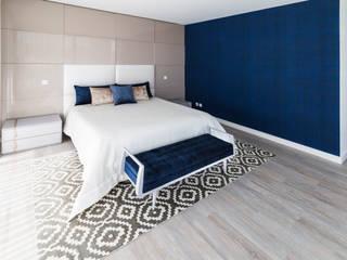 Suite: Quartos modernos por UNISSIMA Home Couture