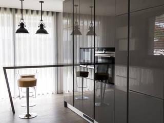 Cozinha: Cozinhas  por UNISSIMA Home Couture,Moderno